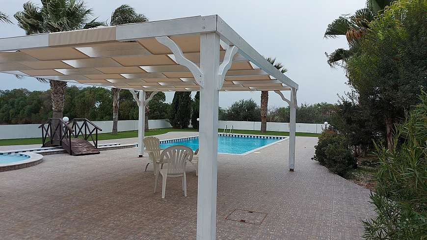 2 bdrm ground floor apt/Dhekelia rd