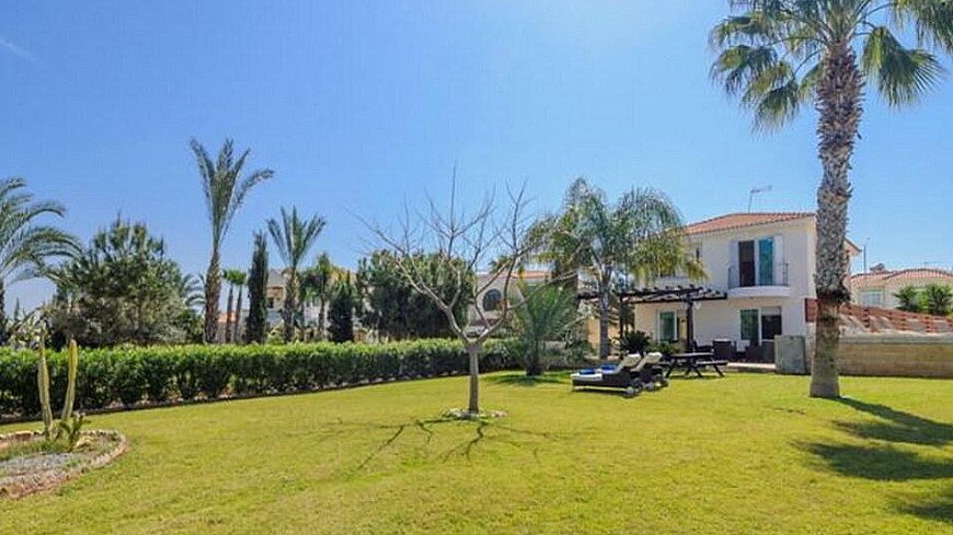 **SPECIAL OFFER** BEAUTIFUL 5 BEDROOM SEA-FRONT VILLA IN PROTARAS NEAR FIG TREE BAY (FROM €2,600,000 NOW €2,100,000)