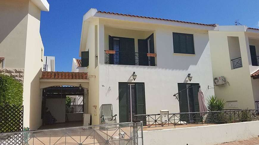 2 Bedroom House in Kapparis with TITLE DEEDS