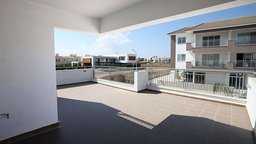 **SPECIAL OFFER** REDUCED FROM €165,000 NOW €125,000 - 2 Bedroom Apartment in Paralimni with TITLE DEEDS