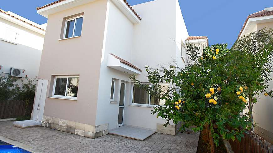 **SPECIAL OFFER** REDUCED FROM €300,000 NOW €225,000 - 3 Bedroom Villa in Paralimni with TITLE DEEDS