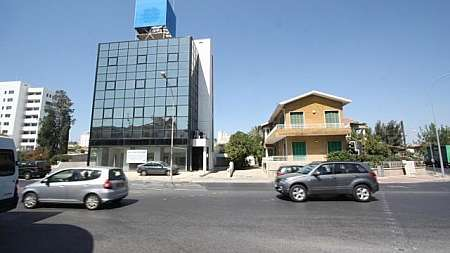 Build­ing for rent/​Nicosia