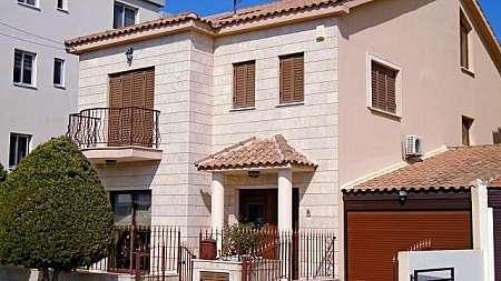4 bdrm detached house for sale/Krassas area